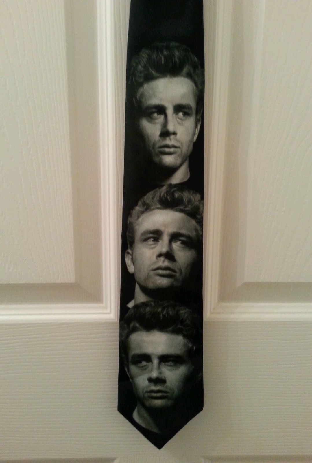 James Dean Images Neck Tie 1997 CMG Ralph Marlin Black & White