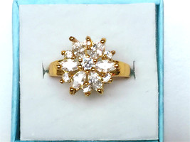 Flower style simulated diamond 24k gold filled wedding ring proposal ring - $768,04 MXN