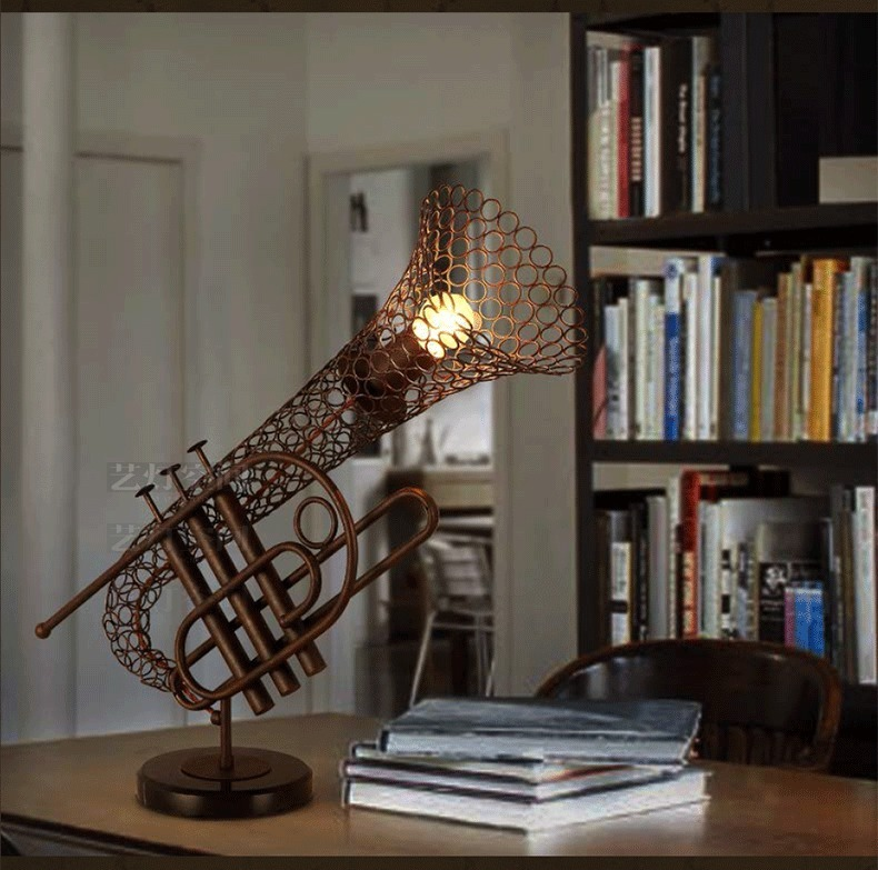 Steampunk Antique Rust Saxophone Table Desk Lamp E27 Light Loft Reading Lighting