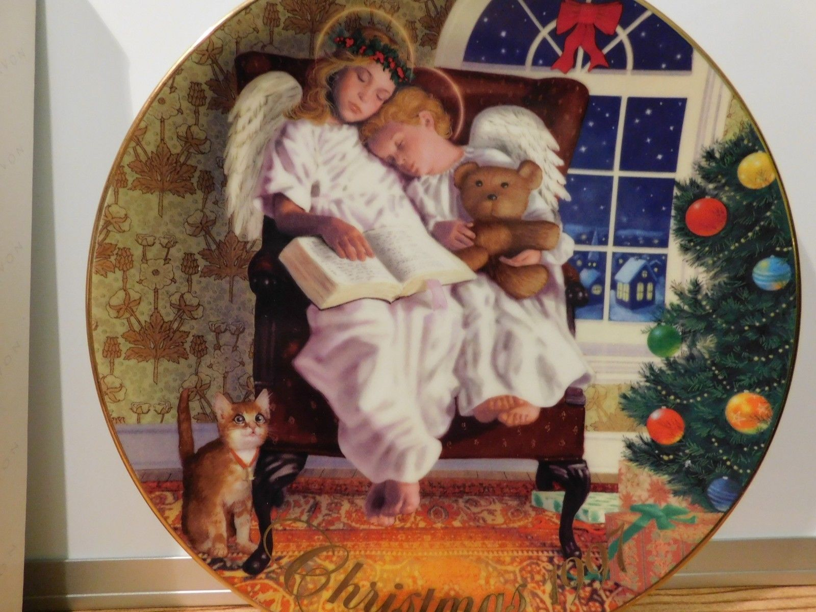 Two Christmas Eve Angels Avon Heavenly Dreams dish Plate 1997