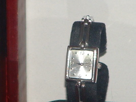 Pre-Owned Vintage Women's Square Bar Link Band Silver Analog Quartz Watch - $8.00