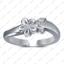 White Gold Fn. 925 Silver Round Cut White Cz Flower Shape Adjustable Toe Ring - £19.26 GBP