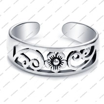 925 Sterling Silver White Fn.Flower Antique Design Toe Ring Adjustable J... - $14.99