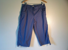 IZOD Women's Size 12 Capris Cropped Short Pants Dusty French Blue w/ Pockets