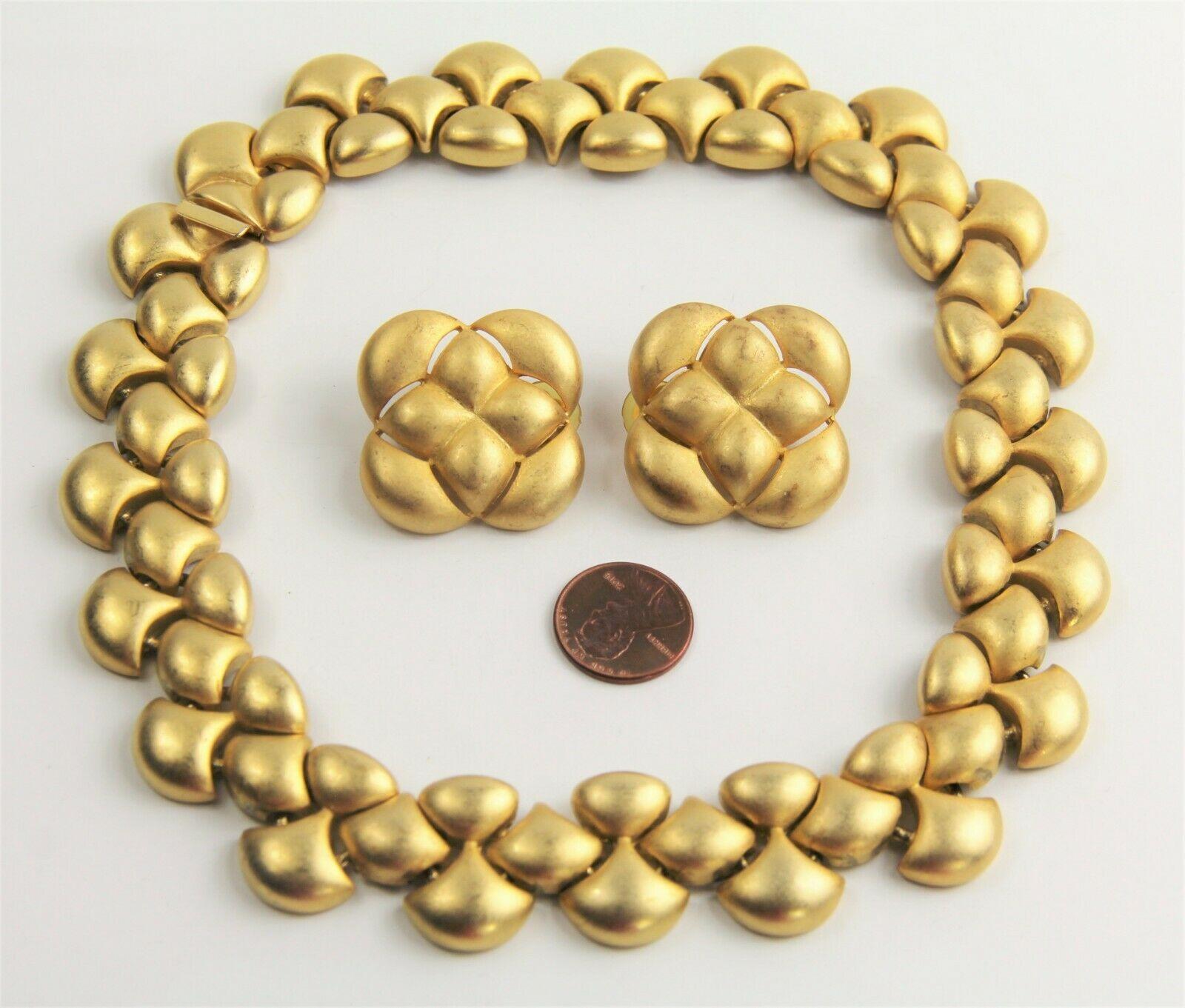 80s VINTAGE Jewelry MATTE GOLD PLATE ERWIN PEARL RUNWAY SET NECKLACE & EARRINGS