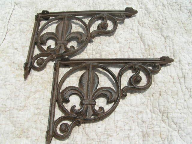 Two Cast Iron Shelf support Braces Kitchen Island corbels Heavy Fleur D' Lis