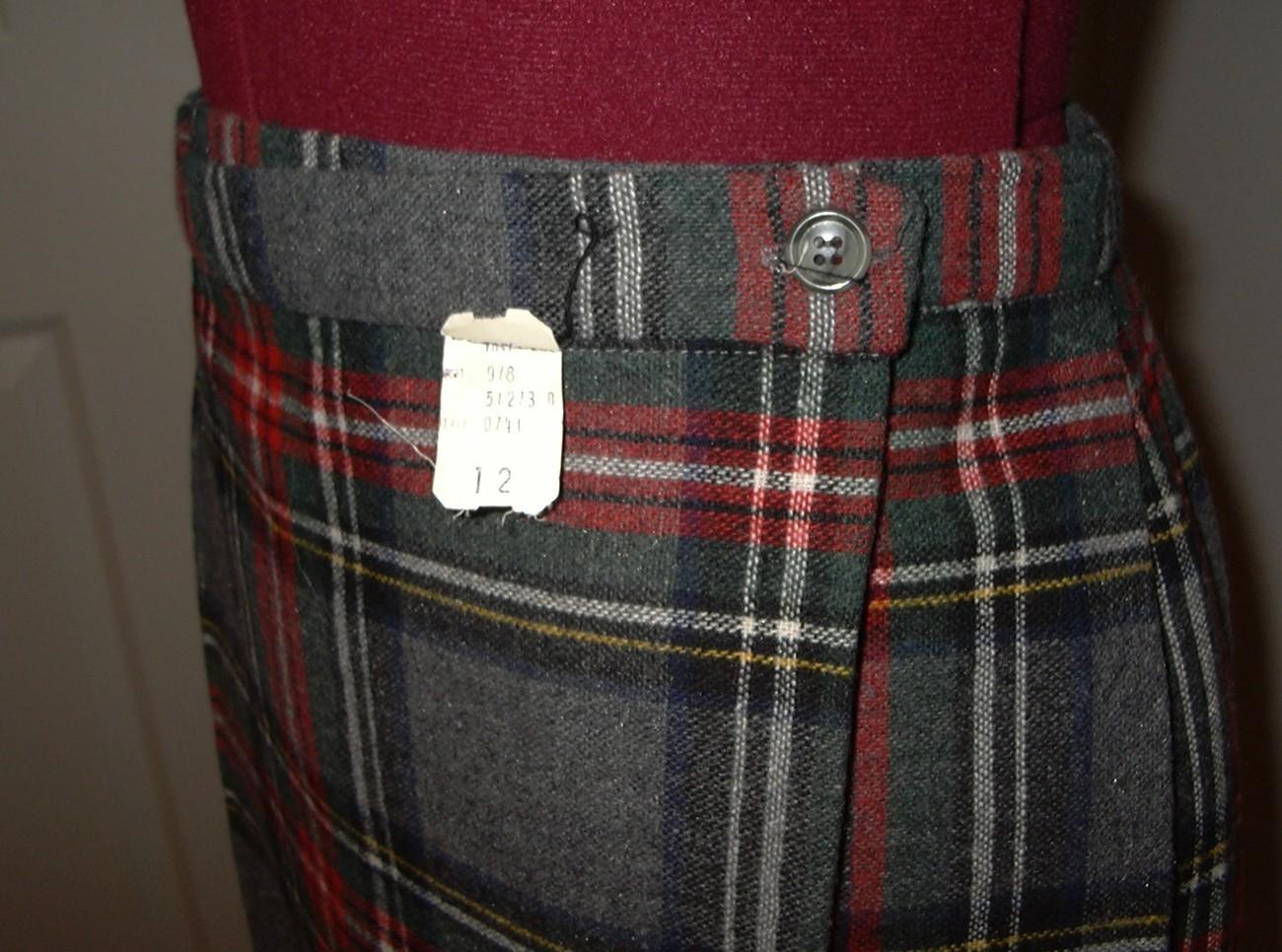 K526 Grey Gray Stewart Tartan Wool Kilt Skirt 26 Inch