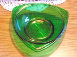 Forest Green Triangle Bowl Mid Century Anchor H... - $3.87