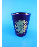 New York Yankees Cobalt Blue w Gold Design Shot Glass Hunter MLBP 2002 - $8.31