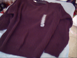 Bill Blass Medium Brown Sweater With Tags Made In The Usa - $20.00