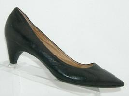 Sofft 'Altessa II' black leather pointed toe slip on kittn heels pumps 11W 7846 - $37.04