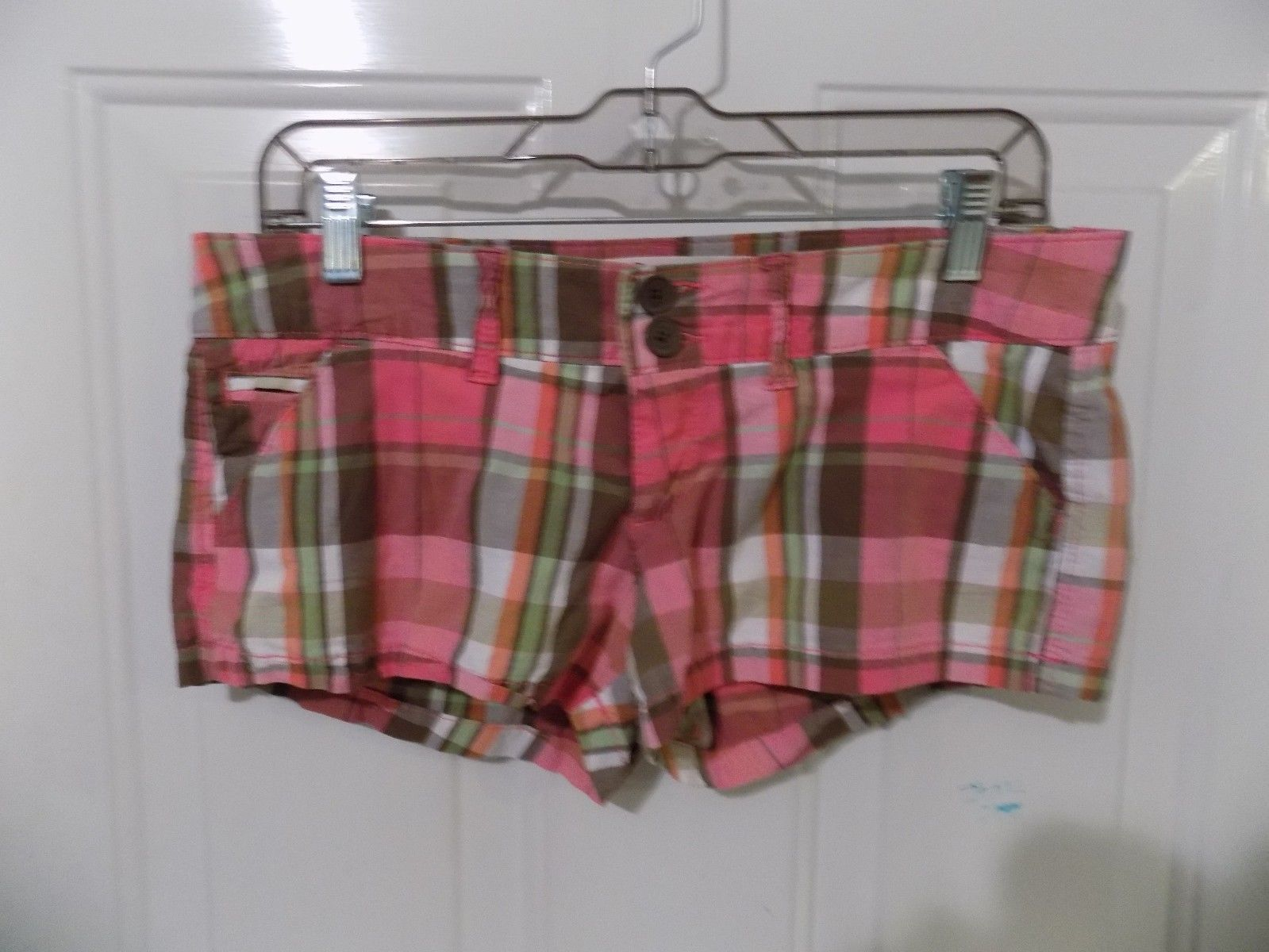 Primary image for Hollister Socal Stretch Pink Plaid Shorts Size 3  Women's EUC