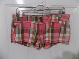 Hollister Socal Stretch Pink Plaid Shorts Size 3  Women's EUC - $16.80
