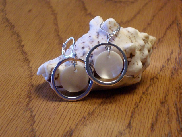 Cookie Lee Genuine Shell Earrings - Item #51608 - Brand New!