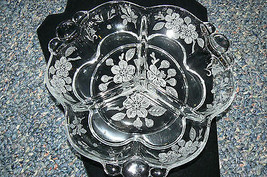 Beautiful Unbanded Clear Etched Frosted Floral Divided Handled Condiment... - $10.93