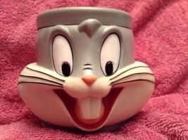 1992 Warner Bros. Bugs Bunny Coffee Mug Cup Loo... - $9.49