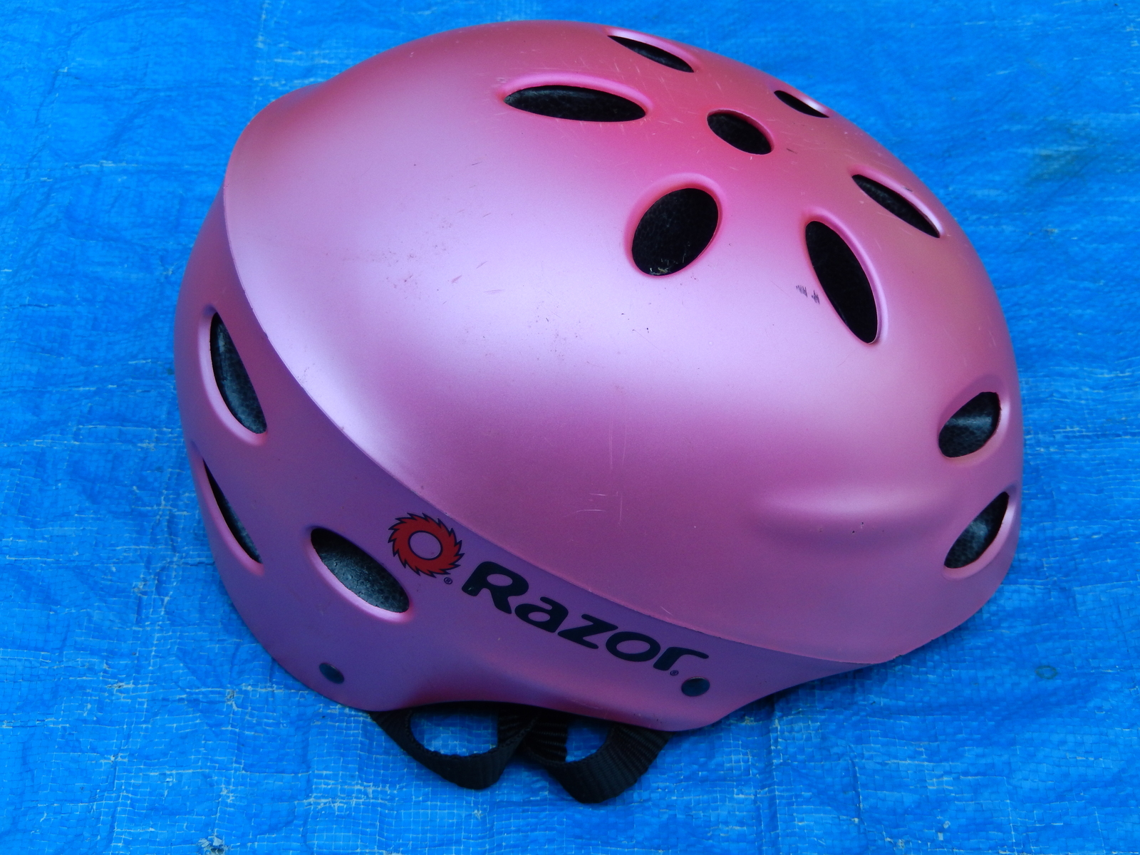 Pink razor bike bicycle safety helmet  1