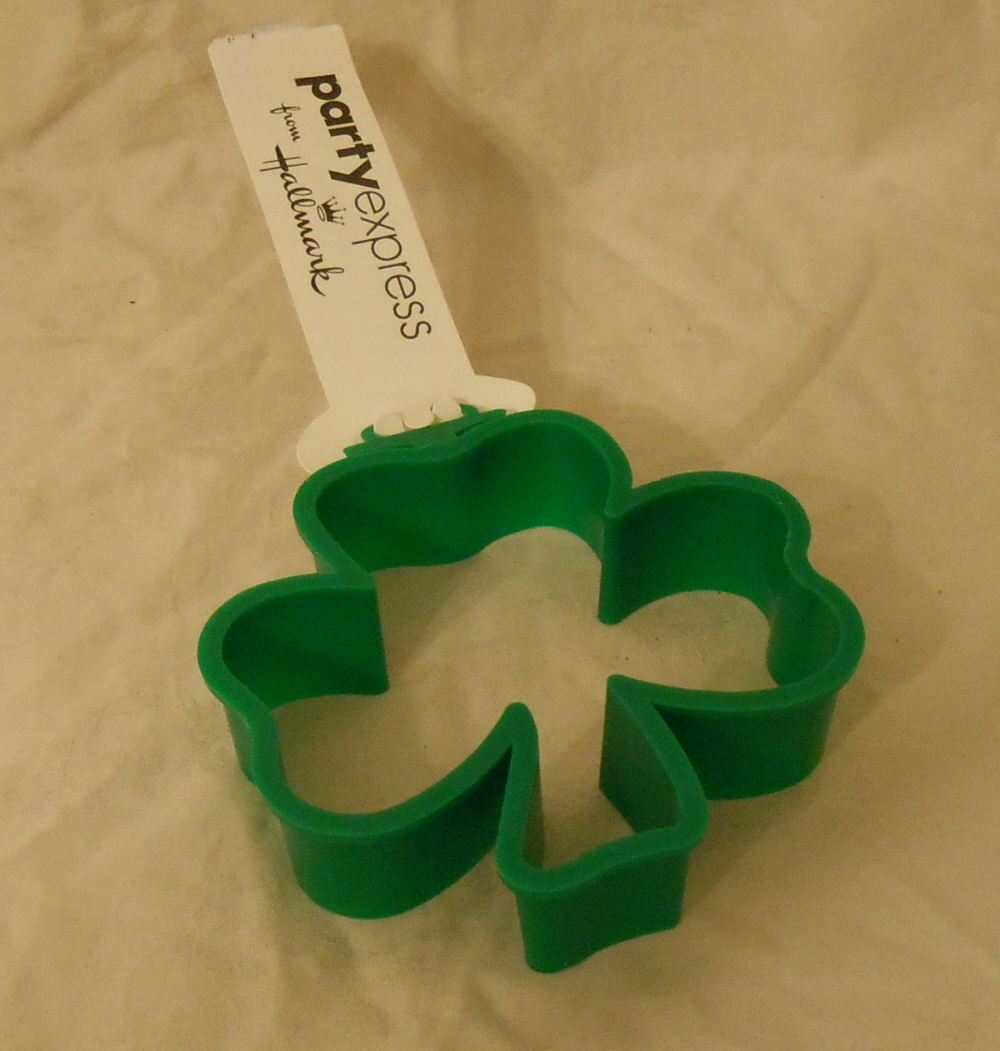 St patrick 39 s day hallmark party express cookie cutter for Little fairy door shark tank
