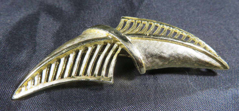 "Vintage Fashion Jewelry Lady Leaf Coro Brooch Retro Gold Color 2""3/4 image 3"