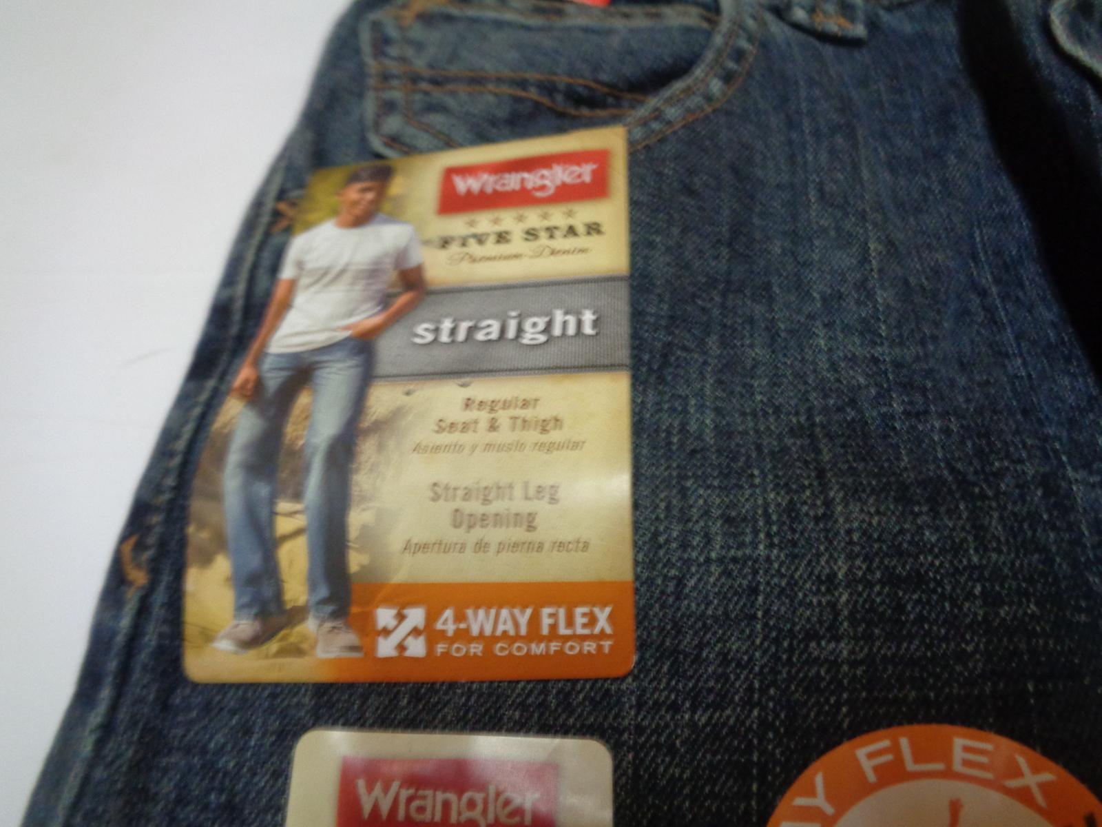 Boy's Wrangler Straight NWT Size 12 Reg Blue Jean 4 Way Flex Adjust Waistband