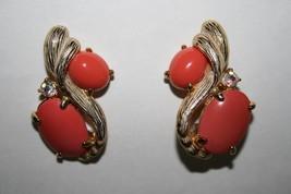 Schiaparelli Vintage Signed Coral Peach AB Rhinestone Clip Earrings J264 - $85.00