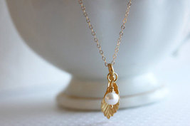 Small Gold Leaf Necklace  Gold Leaf And Pearl Necklace - $32.00