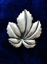 Vintage Sterling Silver leaf brooch pin signed Jewel Art - $14.65