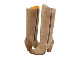 New in Box - $598 FRYE Angela Side Zip Tan Suede Leather Boots Size 6 - $2.783,35 MXN