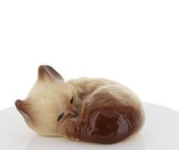 Hagen Renaker Miniature Cat Siamese Curled Cat Sleeping Ceramic Figurine