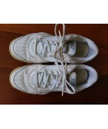 Nike City Court 6 Women's Tennis Walking Shoes White Sneakers, Size US 9 - $24.74