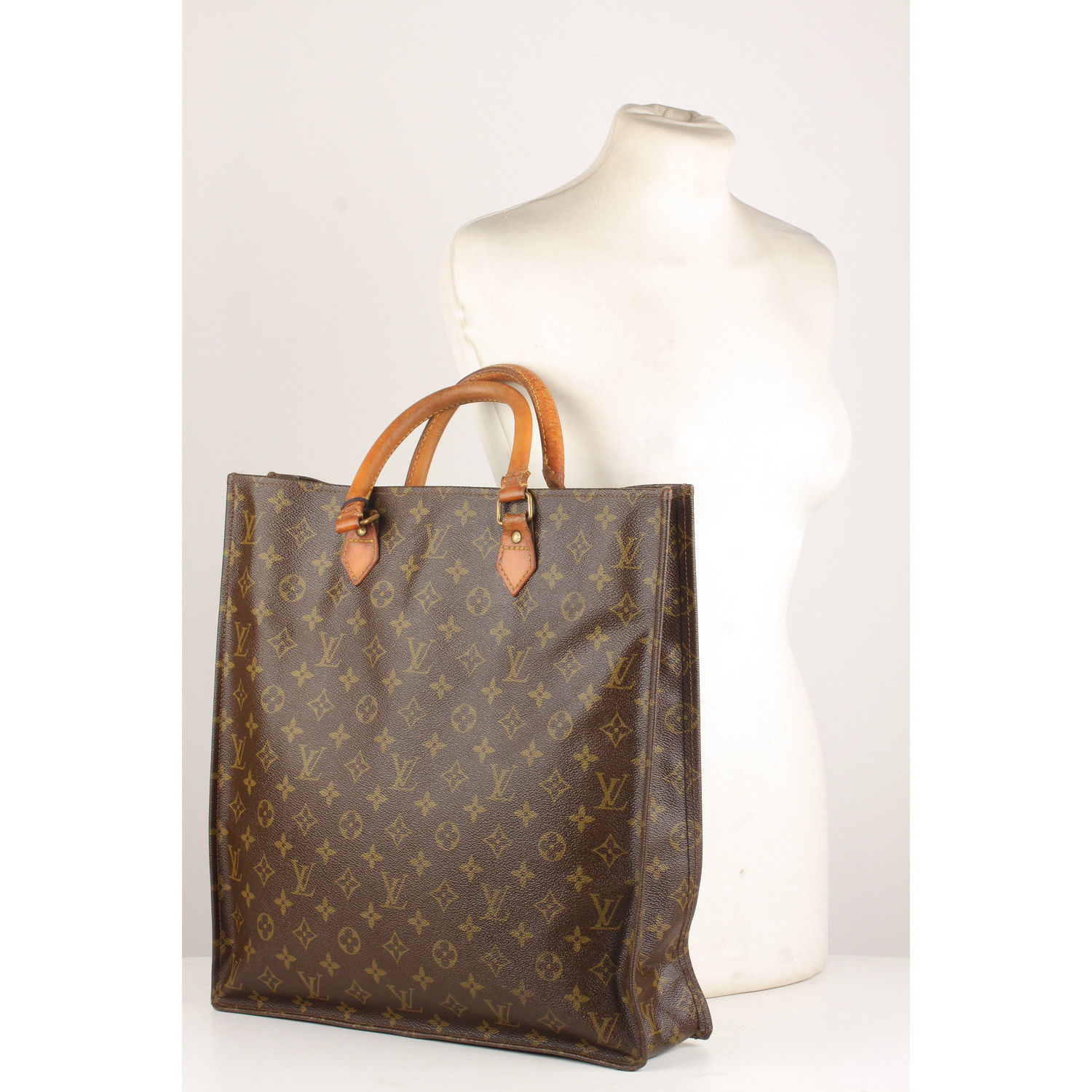 33bdd6e765b9 S l1600. S l1600. Previous. Authentic Louis Vuitton Vintage Brown Monogram Sac  Plat GM Tote Bag Handbag