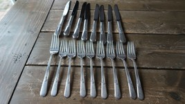 Vintage 1940s HOLMES AND EDWARDS 8 salad forks 1 dinner fork 8 knives - $25.74