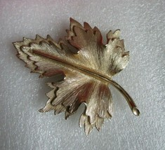 """Vintage Signed Sarah Coventry Canada Pin Brooch Gold Tone Maple Leaf Large 2.75"""" - $7.87"""
