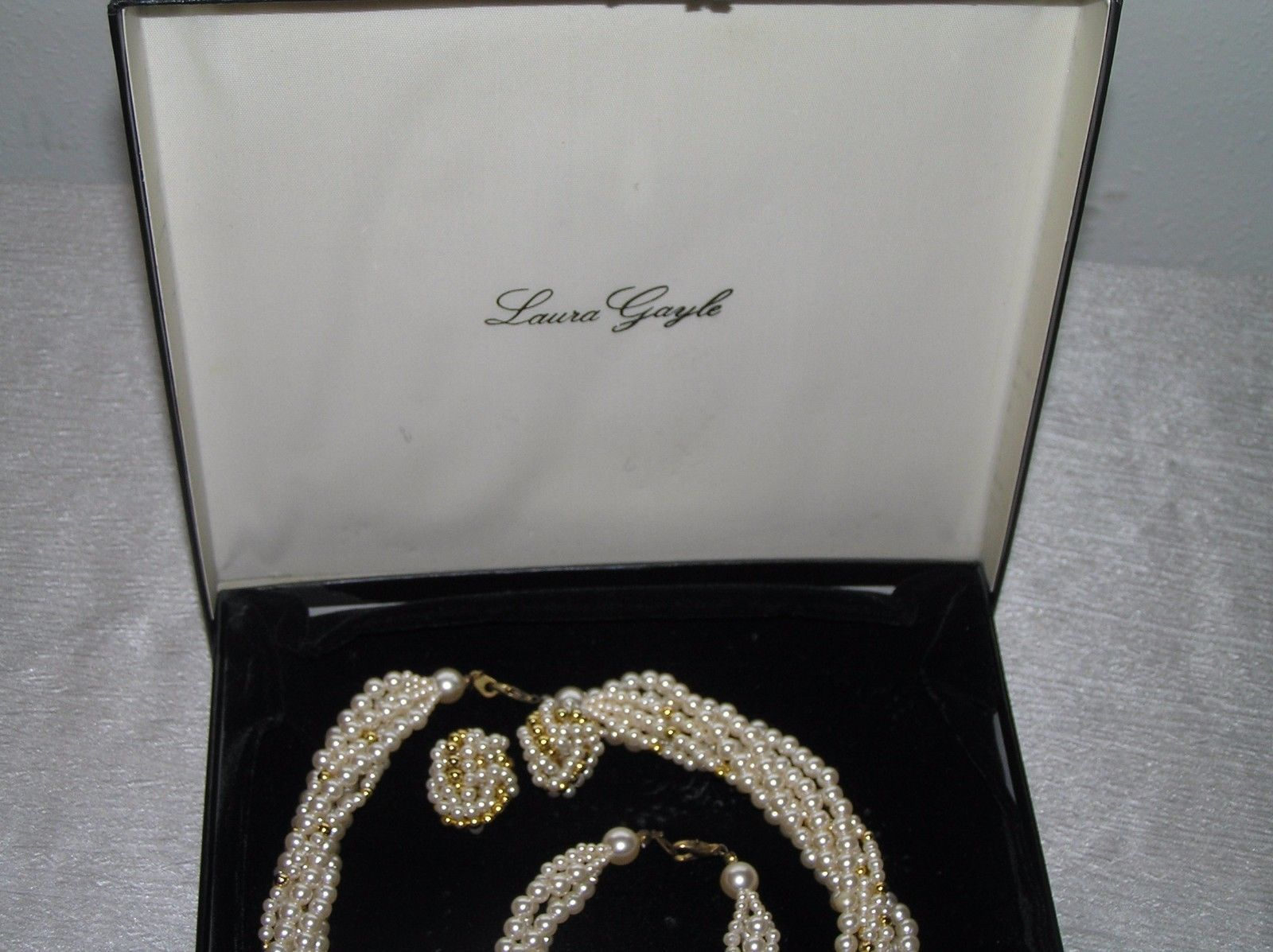 Estate Laura Gayle Parure White Faux Pearl & Goldtone Bead Multistrand Twist Nec