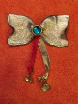 Gold Tone Holiday Bow Brooch With Holiday Bells Collectible - $2.40