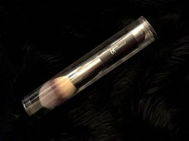 NEW IT COSMETICS Heavenly Luxe Complexion Wand Ball Powder Brush #8 Retails $48 - $48.00