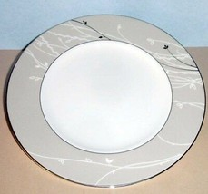 """Waterford Lisette Accent Salad Plate 9"""" Platinum Trim #136037 New - $29.90"""