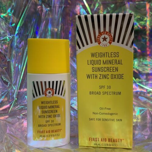 NEW IN BOX First Aid Beauty Weightless Liquid Mineral Sunscreen SPF30 1.5 fl. Oz