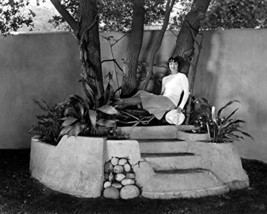 Louise Brooks Relxing In Her Garden Rare Photo 16X20 Canvas Giclee - $69.99