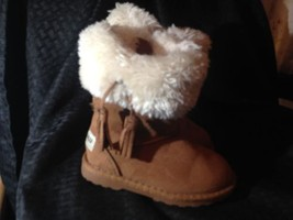 Toddler Sz 8 Makalu Fur Lined Boots - £5.93 GBP