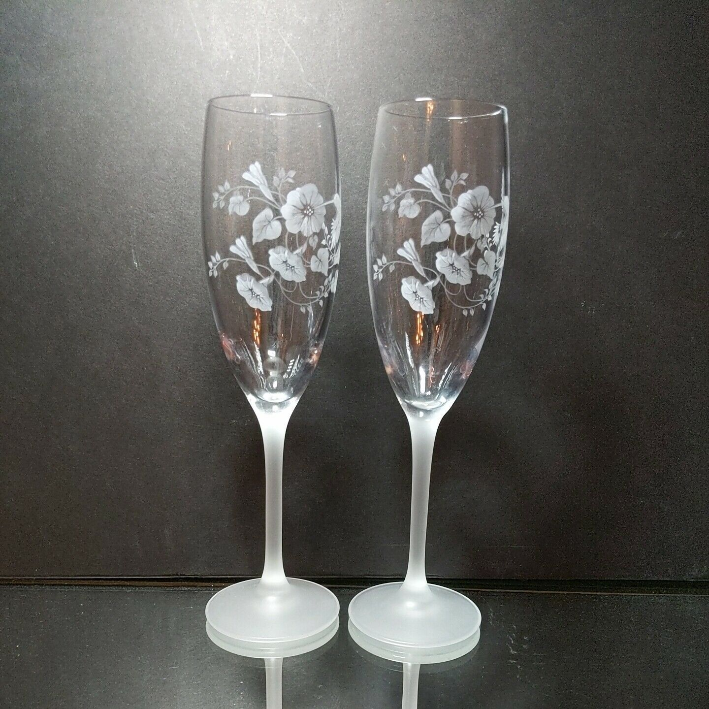 2 (Two) AVON HUMMINGBIRD Etched Crystal Champagne Flutes Frosted Stems France