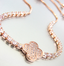 EXQUISITE 18kt Rose Gold Plated Pave CZ Crystals Clover Crystals Chain B... - €23,89 EUR