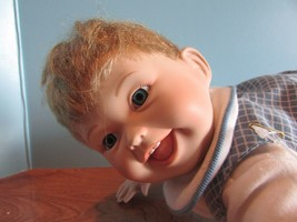"PREMIERE ASHTON DRAKE Porcelain Doll ""BABIES WORLD OF WONDER"" 14"" CRAWLING - $31.19"