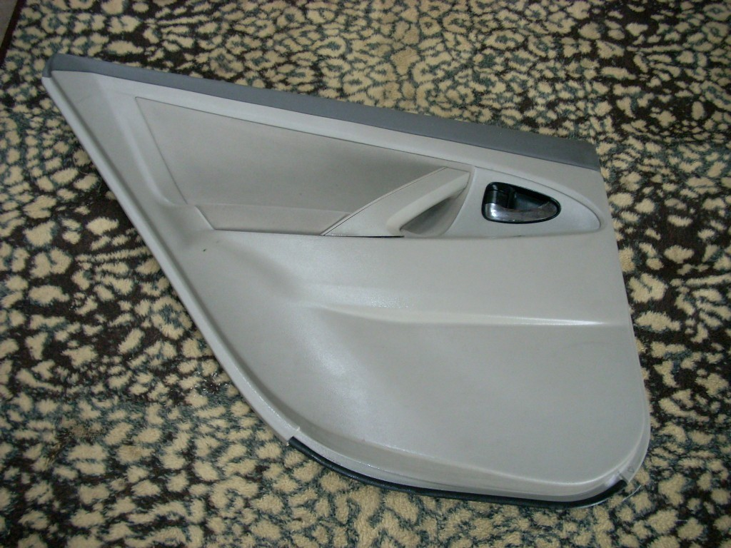 2011 TOYOTA CAMRY LEFT REAR TRIM PANEL