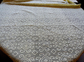 VTG Handmade Crochet Yellow Cream Lace Tablecloth Lace Decor cotton - $88.11