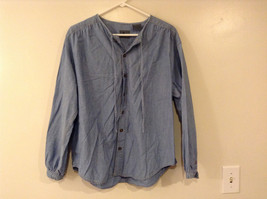 LizWear Women Size M Shirt Blue Jean Chambray Button Down Blouse Top Round Hem