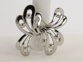 70s VINTAGE MONET SILVER METAL MODERNIST ABSTRACT BROOCH - $25.00