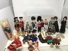 Vintage Lot Of Travel Dolls ~ LoT of 19  Foreign Ethnic Souvenir Dolls R... - $32.29