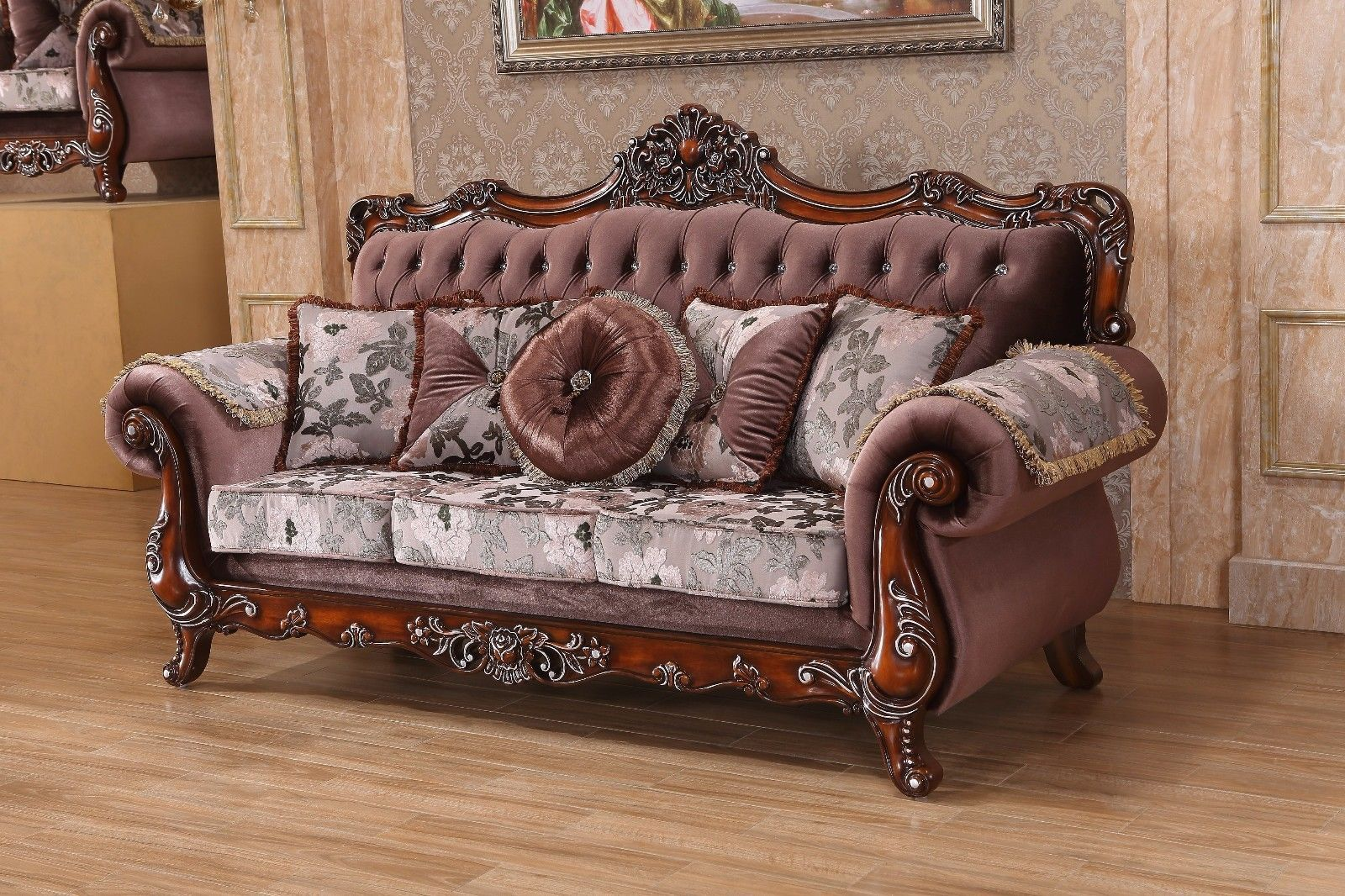 Meridian 637 Living Room Sofa Rich Cherry Crystal Tufted Traditional Style
