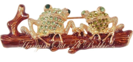 Frog Pin Brooch Duo Green Crystal Sitting On A Log Goldtone Metal Animal Jewelry - $16.99